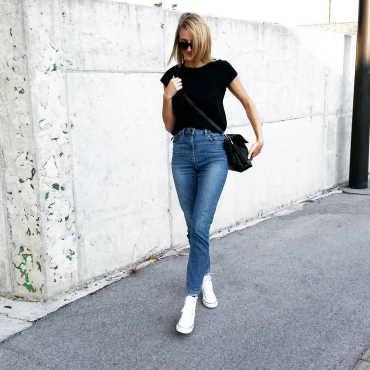 mom jean styles